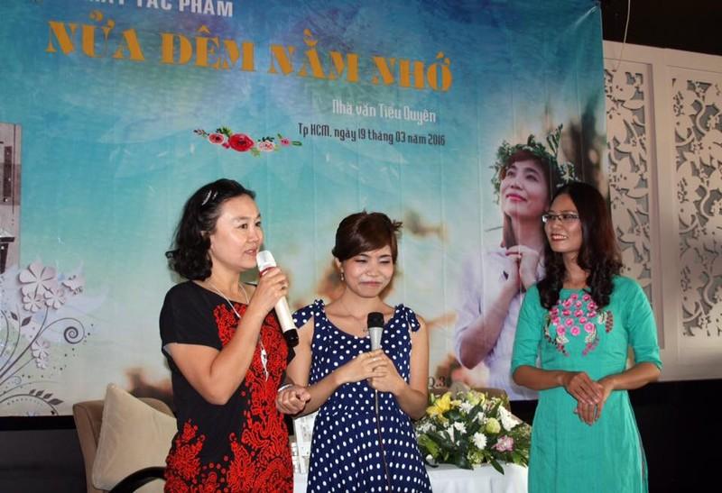 Ban văn trẻ chúc mừng nhà văn Tiểu Quyên - ảnh 2