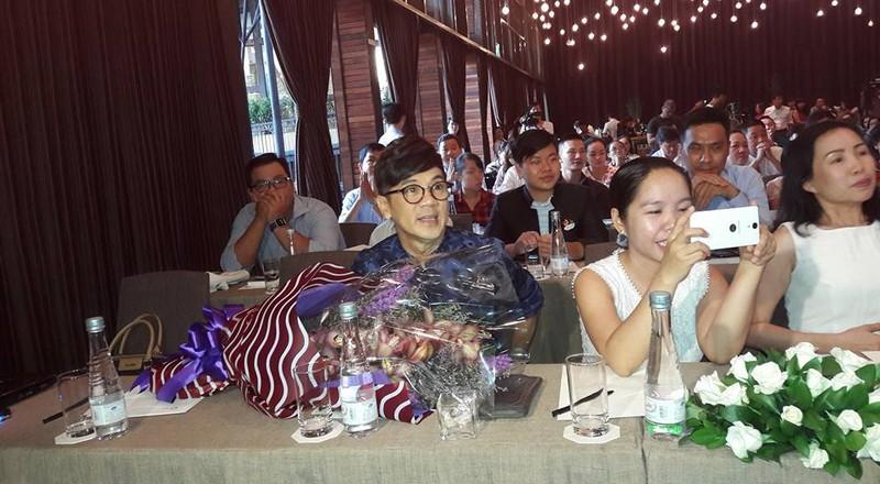 Văn nghệ sĩ nổi tiếng tham dự ra mắt hồi ký của Kỳ nữ Kim Cương - ảnh 5
