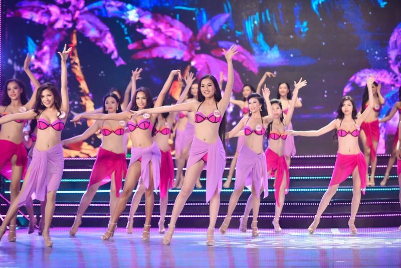 Thí sinh 'Hoa hậu Việt Nam 2016' quyến rũ ba vòng ở phần thi bikini - ảnh 1