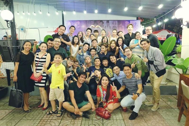 Hậu 'Cười xuyên Việt': Buffalo mở tiệc cảm ơn , X-Pro tới chung vui - ảnh 5