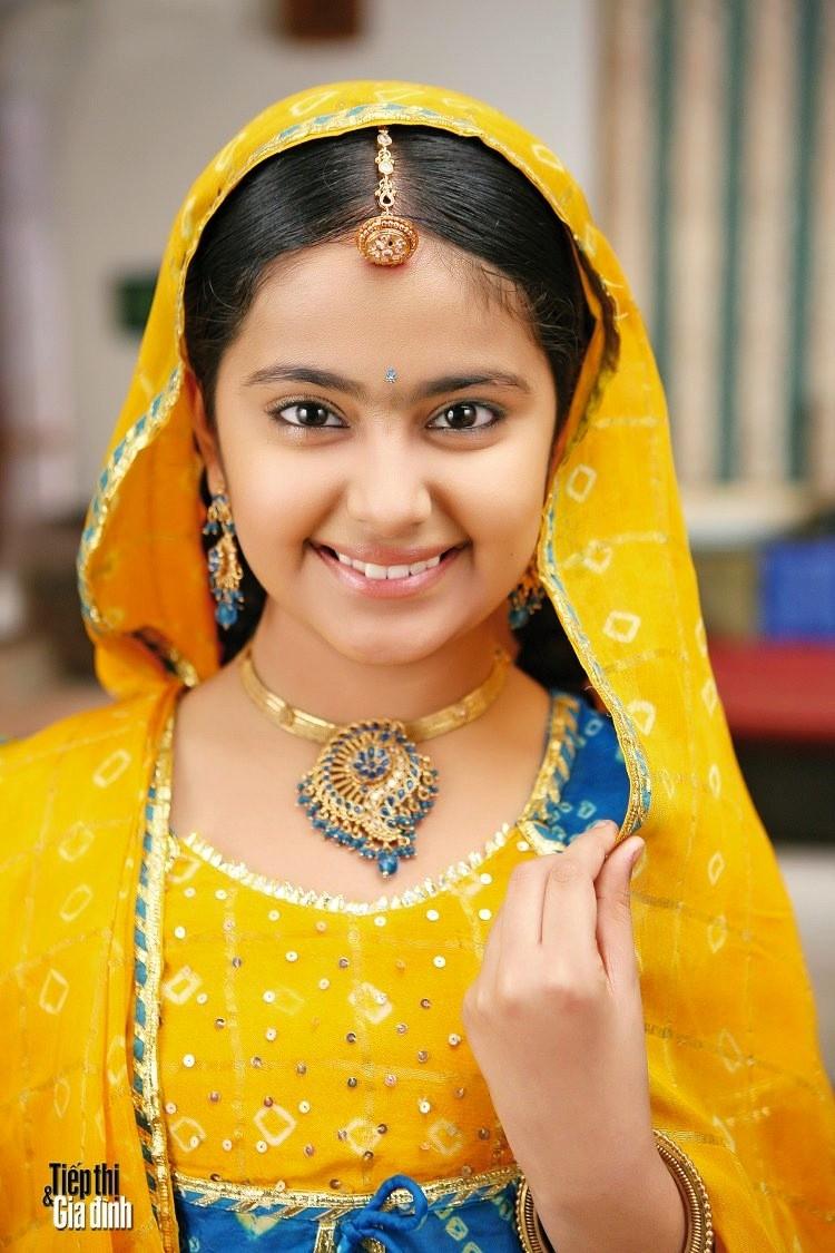 Ngôi sao Ấn Độ - Cô dâu 8 tuổi trở lại Việt Nam - ảnh 1