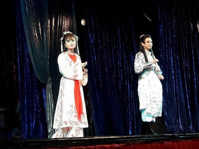 Tú Quyên và Hữu Tài trong Lục Vân Tiên.