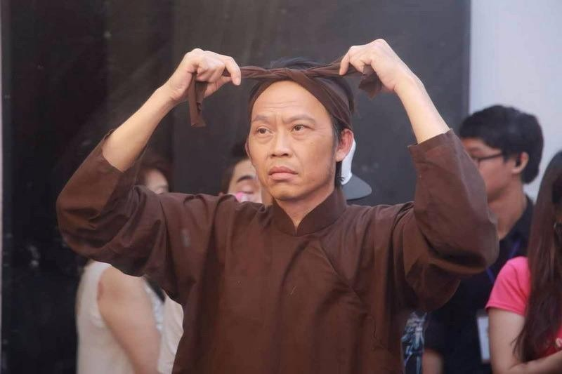 Hoài Linh vào vai cha nuôi nhân vật Hồng Phượng thủ diễn