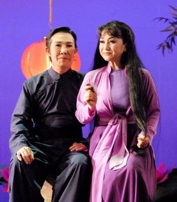 Nghệ sĩ Vũ Linh và nghệ sĩ Thanh Thanh Tâm trong vở diễn để đời của mình - Hòn vọng phu.