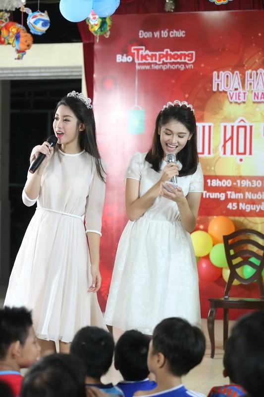 Tân hoa hậu, á hậu đàn hát vui Trung thu với trẻ bất hạnh     - ảnh 14