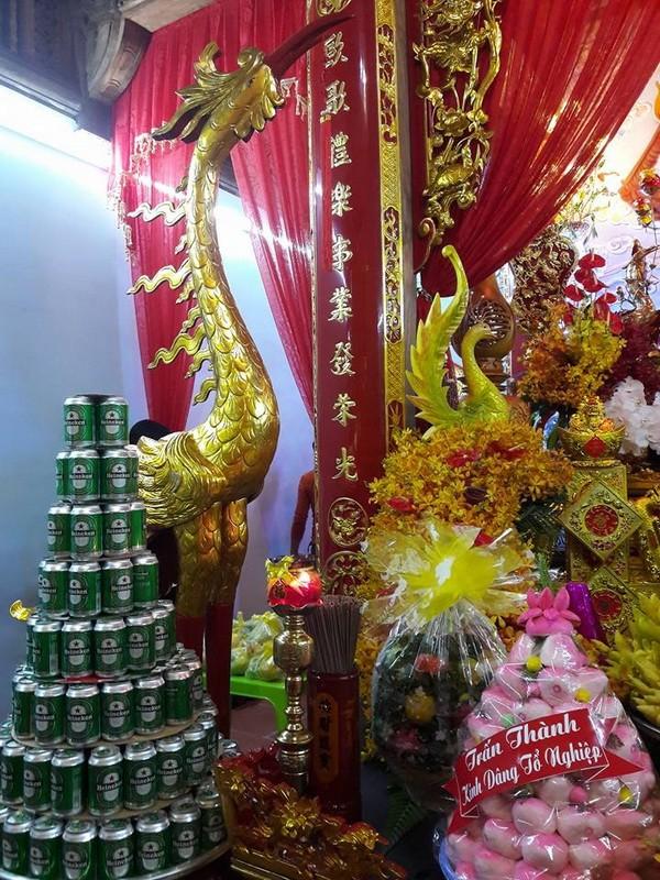 Chi tiết sự rực rỡ, đắt tiền khắp nơi ở nhà thờ Tổ của Hoài Linh  - ảnh 10