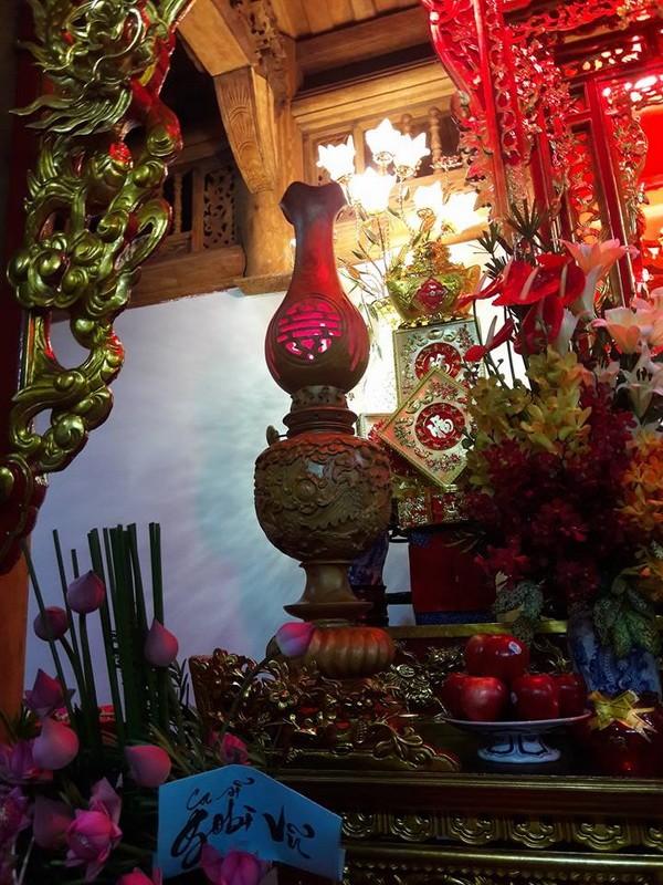 Chi tiết sự rực rỡ, đắt tiền khắp nơi ở nhà thờ Tổ của Hoài Linh  - ảnh 11
