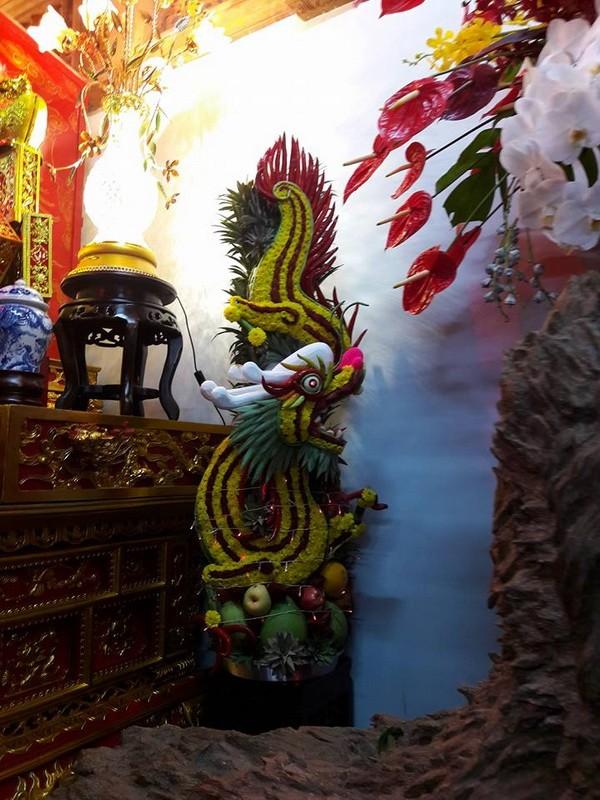 Chi tiết sự rực rỡ, đắt tiền khắp nơi ở nhà thờ Tổ của Hoài Linh  - ảnh 12