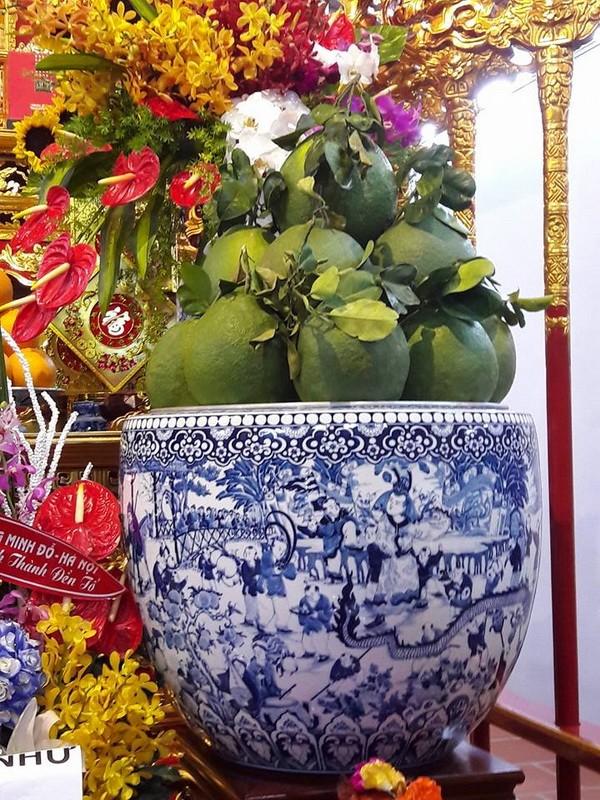 Chi tiết sự rực rỡ, đắt tiền khắp nơi ở nhà thờ Tổ của Hoài Linh  - ảnh 19