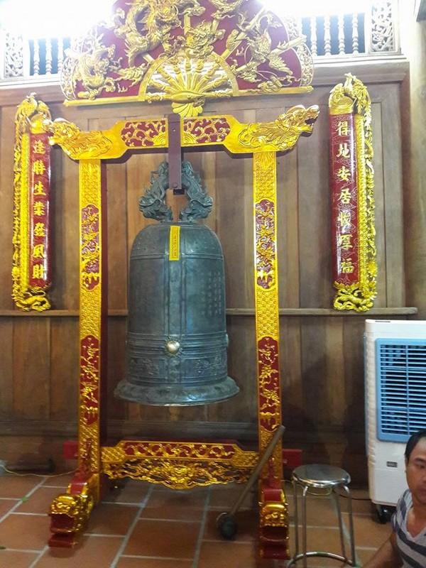 Chi tiết sự rực rỡ, đắt tiền khắp nơi ở nhà thờ Tổ của Hoài Linh  - ảnh 23
