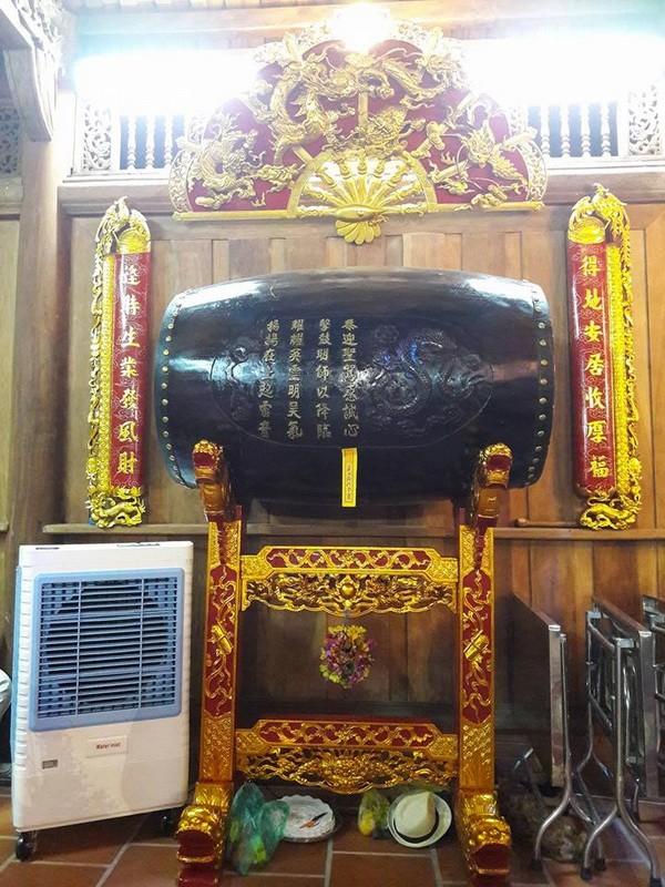 Chi tiết sự rực rỡ, đắt tiền khắp nơi ở nhà thờ Tổ của Hoài Linh  - ảnh 24