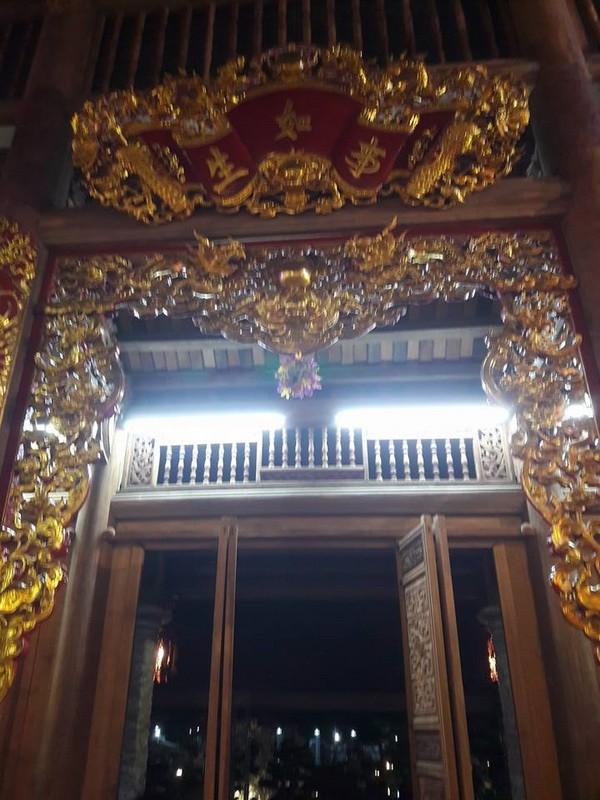 Chi tiết sự rực rỡ, đắt tiền khắp nơi ở nhà thờ Tổ của Hoài Linh  - ảnh 25