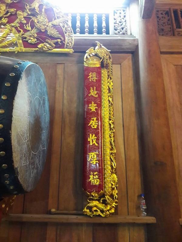 Chi tiết sự rực rỡ, đắt tiền khắp nơi ở nhà thờ Tổ của Hoài Linh  - ảnh 27