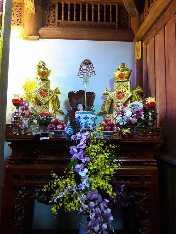 Chi tiết sự rực rỡ, đắt tiền khắp nơi ở nhà thờ Tổ của Hoài Linh  - ảnh 6