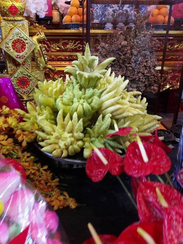 Chi tiết sự rực rỡ, đắt tiền khắp nơi ở nhà thờ Tổ của Hoài Linh  - ảnh 8