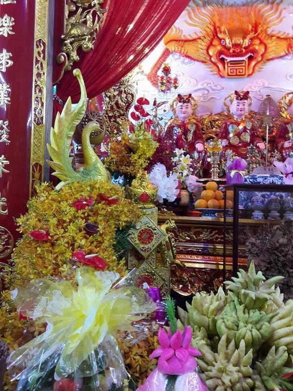 Chi tiết sự rực rỡ, đắt tiền khắp nơi ở nhà thờ Tổ của Hoài Linh  - ảnh 9