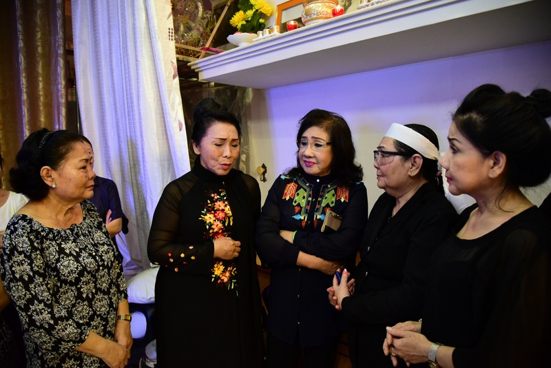Đông đảo nghệ sĩ, khán giả đến viếng NSND Thanh Tòng - ảnh 15