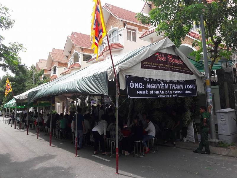 Đông đảo nghệ sĩ, khán giả đến viếng NSND Thanh Tòng - ảnh 16