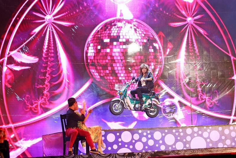 Liveshow Việt Hương: Sự trân trọng khán giả tuyệt vời  - ảnh 2