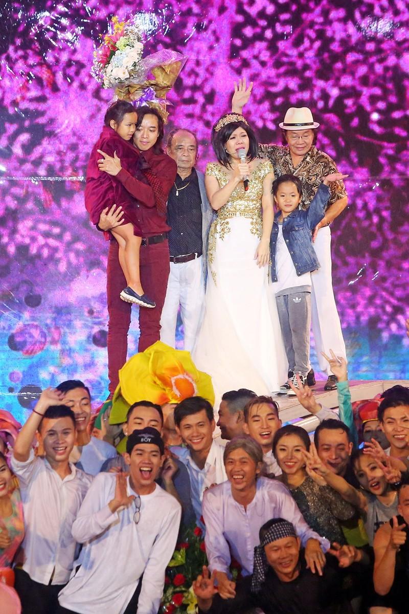 Liveshow Việt Hương: Sự trân trọng khán giả tuyệt vời  - ảnh 7