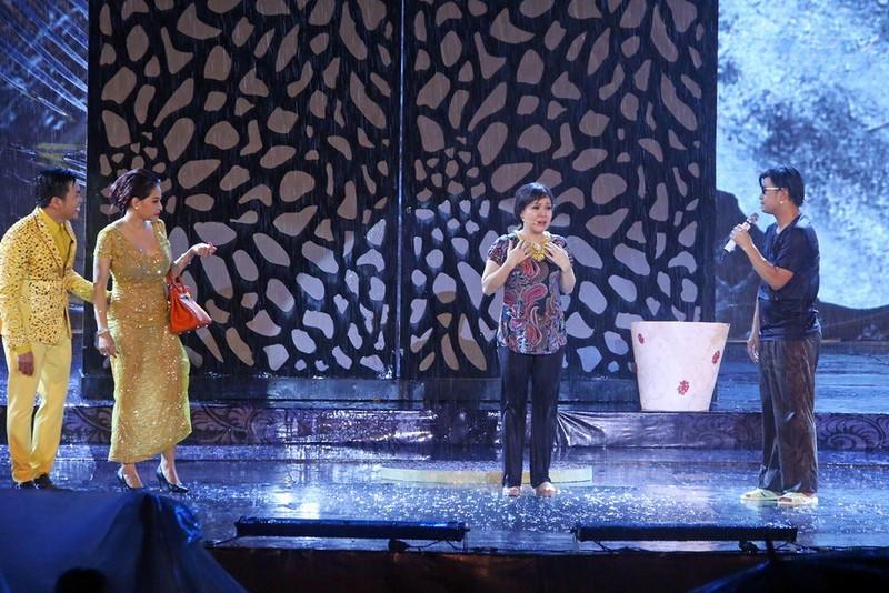 Liveshow Việt Hương: Sự trân trọng khán giả tuyệt vời  - ảnh 4