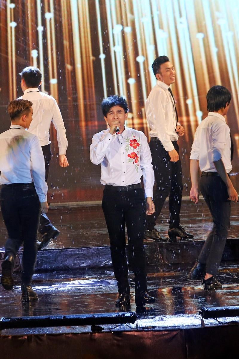 Liveshow Việt Hương: Sự trân trọng khán giả tuyệt vời  - ảnh 6