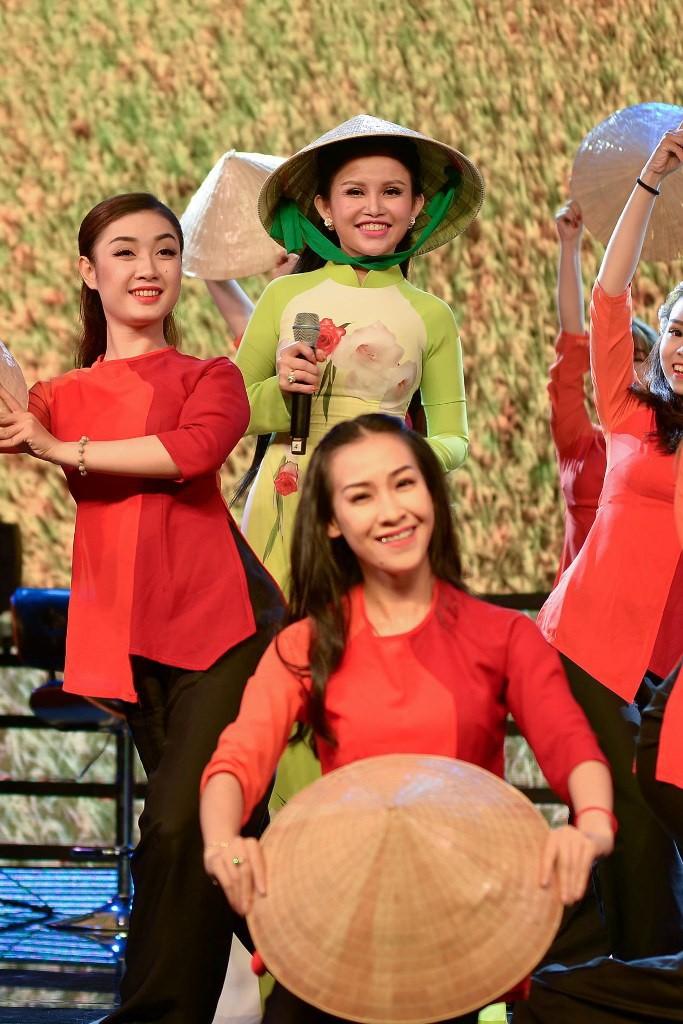 Sao chia sẻ từ thiện cùng hoa hậu Janny Thủy Trần - ảnh 3