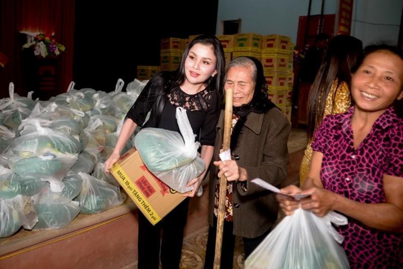Sao chia sẻ từ thiện cùng hoa hậu Janny Thủy Trần - ảnh 6