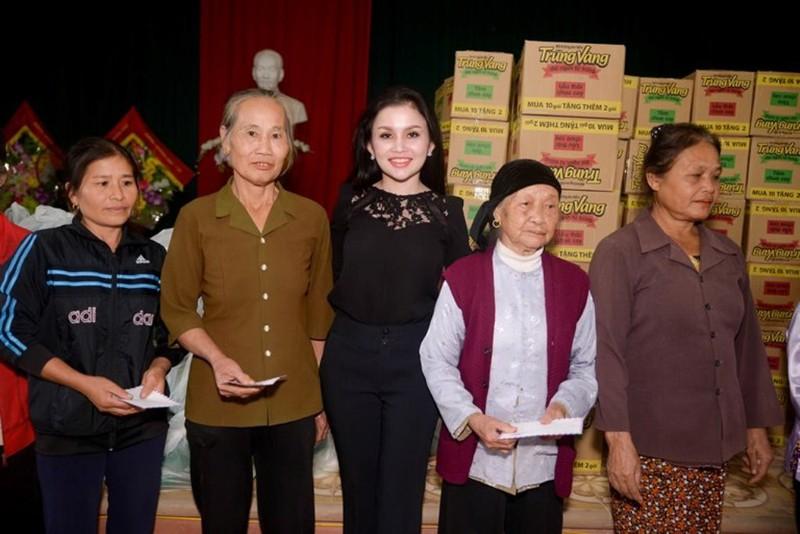 Sao chia sẻ từ thiện cùng hoa hậu Janny Thủy Trần - ảnh 7