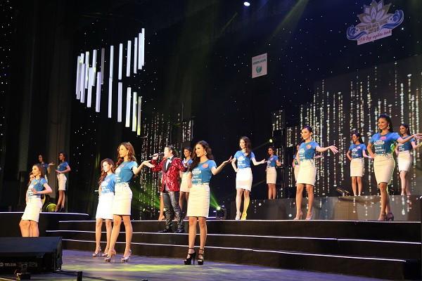 Đoàn Thị Hồng Trang đăng quang Hoa khôi miền Trung 2016 - ảnh 9
