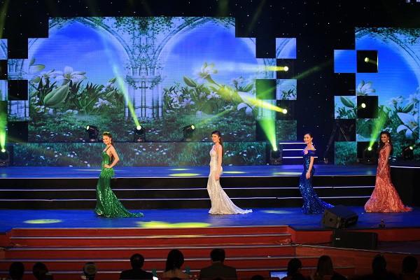 Đoàn Thị Hồng Trang đăng quang Hoa khôi miền Trung 2016 - ảnh 10