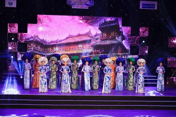 Đoàn Thị Hồng Trang đăng quang Hoa khôi miền Trung 2016 - ảnh 4