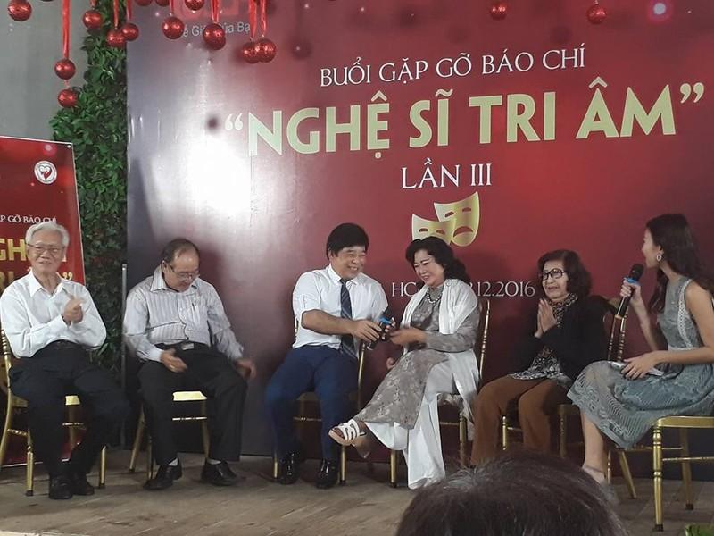 Kỳ nữ Kim Cương tìm 1 tỷ giúp nghệ sĩ nghèo ăn Tết  - ảnh 2
