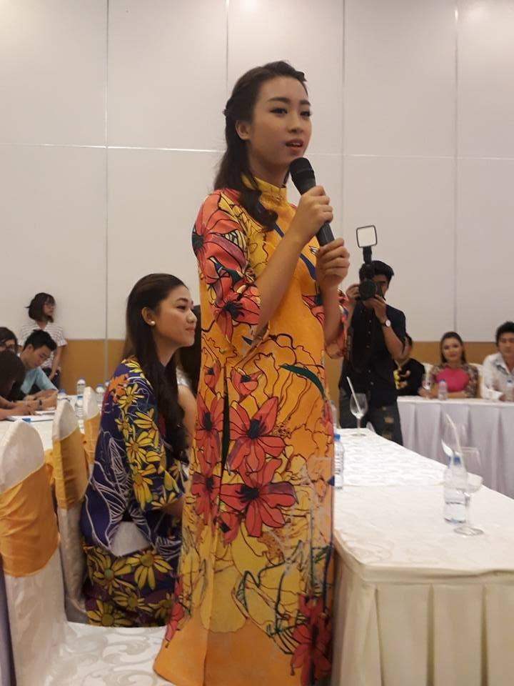 Vừa xuất viện, Hoài Linh cùng hoa hậu ủng hộ cải lương - ảnh 4