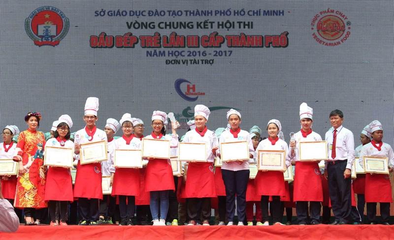 Hàng trăm học sinh THPT thi nấu bếp 'xanh' đón tết - ảnh 5