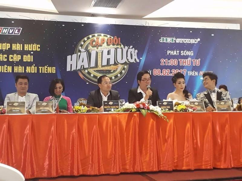 Lý Hùng, Việt Trinh, giám đốc sản xuất Nguyễn Thanh Phú, đạo diễn Nguyễn Thành Chánh Trực, Kiều Oanh, Thanh Bạch.