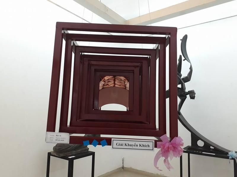 Điêu khắc trẻ trung, thời sự của ĐH Mỹ thuật TP  - ảnh 6