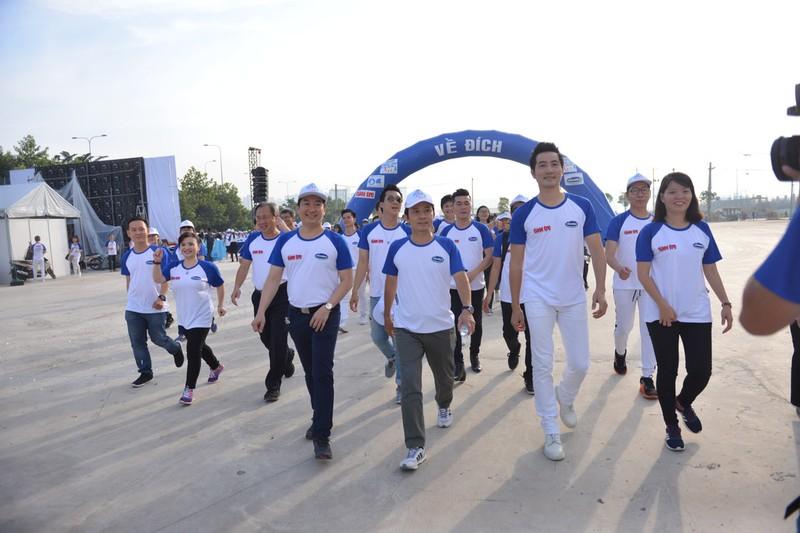 """Phong trào đi bộ """"10.000 bước chân""""  - ảnh 1"""