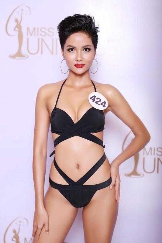 Thí sinh Hoa hậu Hoàn vũ VN khoe hình thể quyến rũ   - ảnh 15