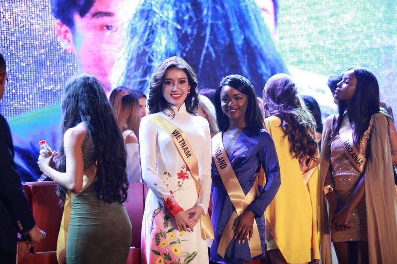 Mãn nhãn với 80 hoa hậu thế giới khoe sắc tại TP.HCM - ảnh 4