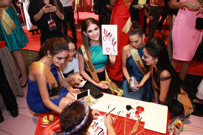 Mãn nhãn với 80 hoa hậu thế giới khoe sắc tại TP.HCM - ảnh 10