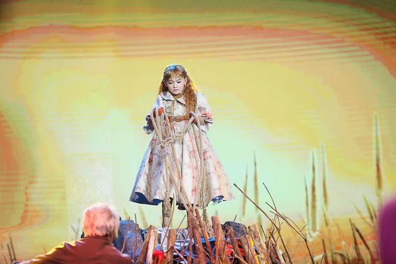 Cô bé hóa cáo làm khán giả bật khóc vì nhớ NS Khánh Nam - ảnh 5