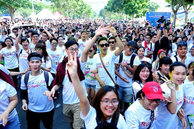 500 người bay cùng khinh khí cầu trong ngày Hữu nghị quốc tế  - ảnh 1