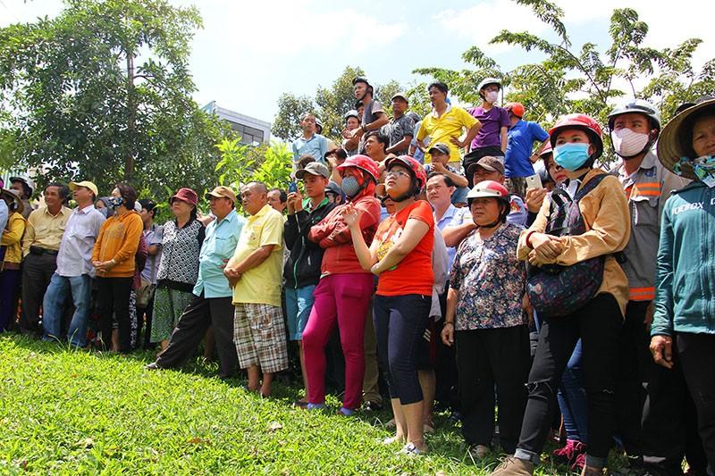 Phát hiện thi thể nữ nổi trên kênh Nhiêu Lộc - Thị Nghè - ảnh 3