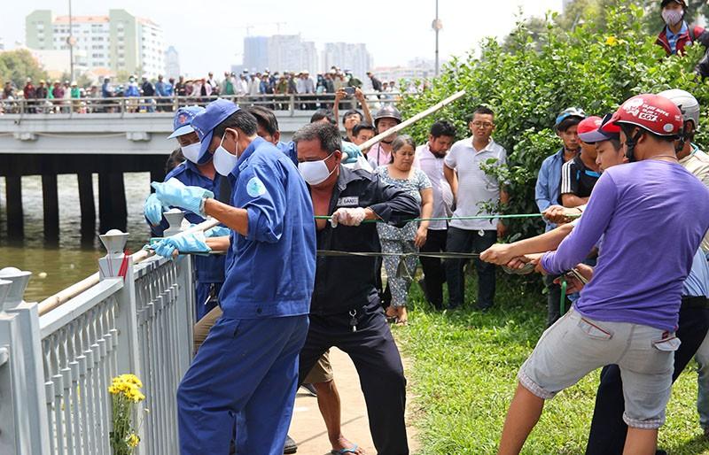 Phát hiện thi thể nữ nổi trên kênh Nhiêu Lộc - Thị Nghè - ảnh 1