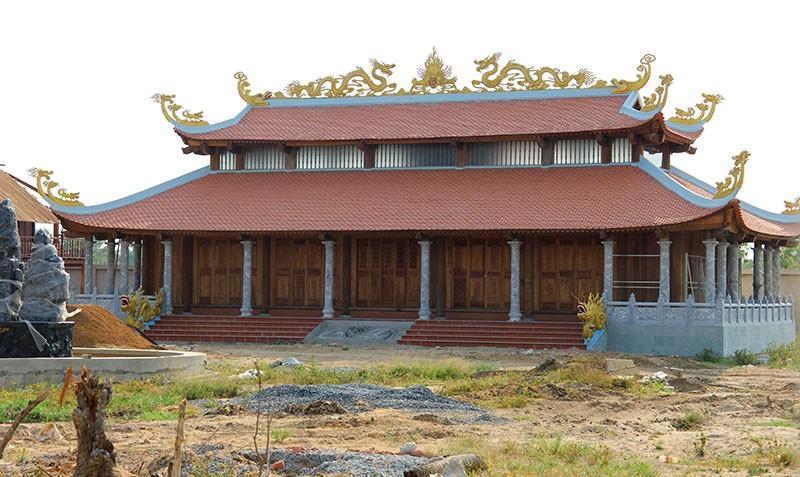 Công trình nhà thờ tổ của Hoài Linh đóng cửa im lìm - ảnh 1