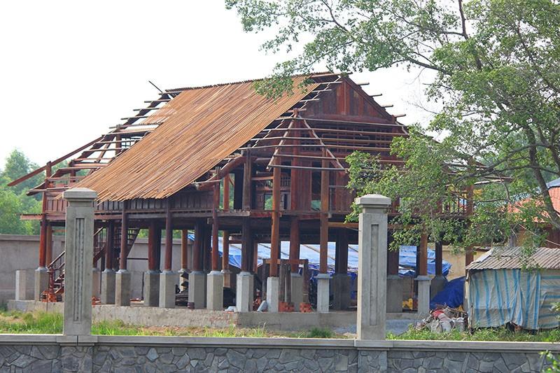 Công trình nhà thờ tổ của Hoài Linh đóng cửa im lìm - ảnh 4