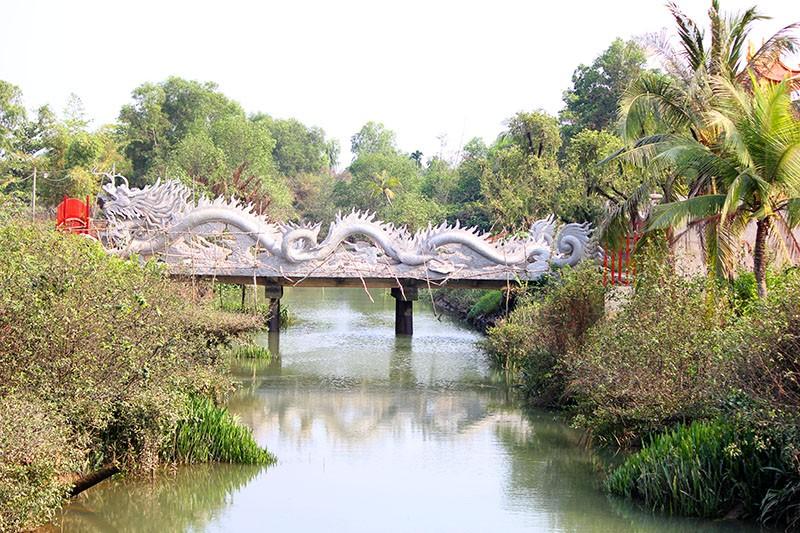 Công trình nhà thờ tổ của Hoài Linh đóng cửa im lìm - ảnh 6