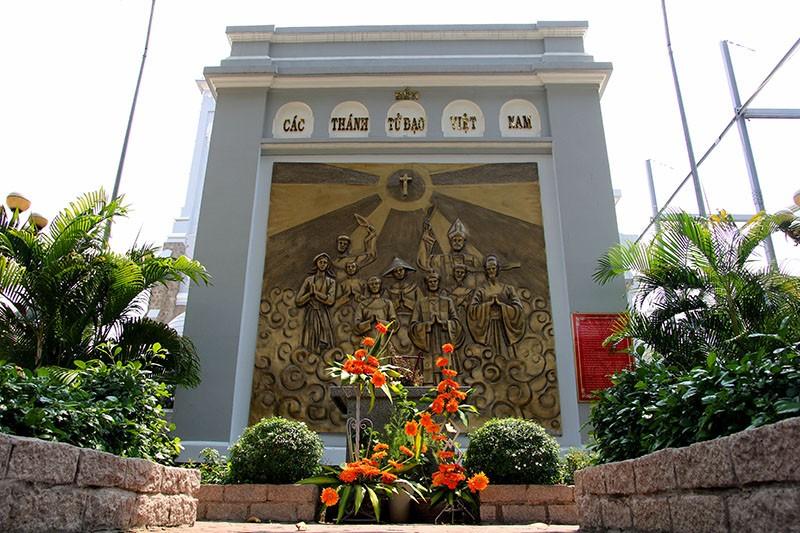 Hạnh Thông Tây - nhà thờ cổ 'độc nhất vô nhị' - ảnh 23