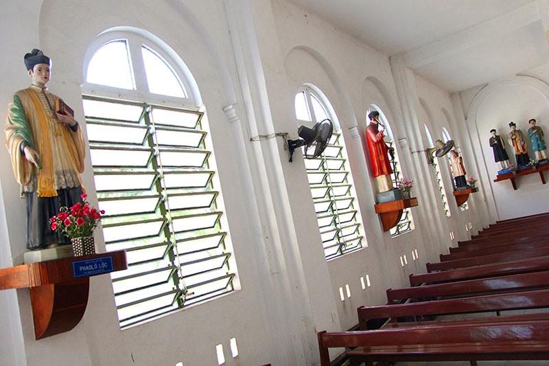 Cận cảnh nhà thờ Chợ Quán cổ nhất Sài Gòn - ảnh 12
